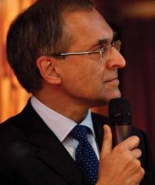 Pavan Sukhdev foi executivo-sênior do Deutsche Bank, liderou o estudo A Economia dos Ecossistemas e da Biodiversidade e o principal autor do relatório Rumo à Economia Verde, publicado em fevereiro pelo programa de  meio ambiente da ONU (Pnuma), do qual era assessor especial. Preside desde abril a consultoria Gist Advisory