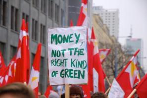 Manifestação durante a COP 19 em Varsóvia, na Polônia( Foto de 350.org /Via Flickr)