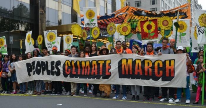 Manifestantes durante a Marcha Climática dos Povos, que aconteceu durante a Cúpula da ONU sobre Clima, em setembro de 2014 na cidade de Nova York (foto: South Bend Voice/Flickr/Creative Commons)