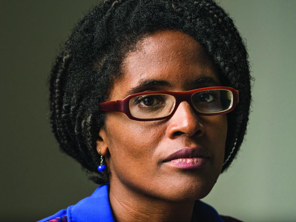 Djamila Ribeiro, 35 anos, nasceu em Santos, São Paulo. É mestre em filosofia política pela Universidade Federal de São Paulo (Unifesp) e ativista pelos direitos das mulheres e dos negros e colunista do site da revista Carta Capital