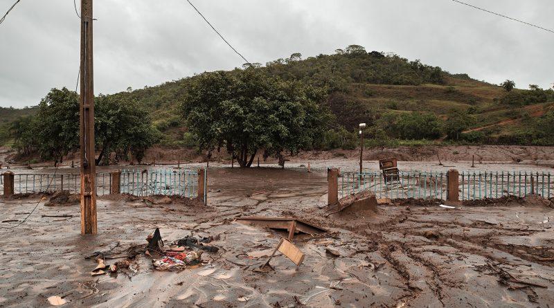 Subdistrito Ponte do Gama, em Mariana (MG), após o rompimento da barragem do Fundão em novembro de 2015 (Bruno Bernardes/Página22)