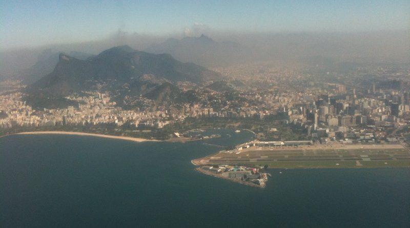 Faltando poucos dias para o começo dos Jogos Olímpicos, a qualidade do ar no Rio de Janeiro está abaixo do recomendado pela Organização Mundial da Saúde, aponta levantamento da agência Reuters (foto: Dois Expressos/Flickr - Creative Commons)