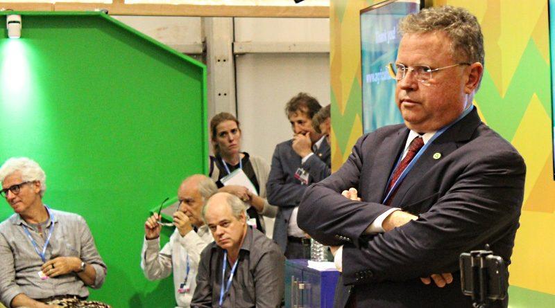 Blairo Maggi (em destaque), ministro da Agricultura, durante evento no pavilhão brasileiro na COP 22 em Marrakech (crédito: Bruno Toledo)