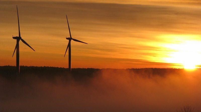 Na corrida pela descarbonização de sua economia, o Brasil está desperdiçando suas principais vantagens competitivas com investimentos em termelétricas e em projetos hidrelétricos de grande impacto socioambiental