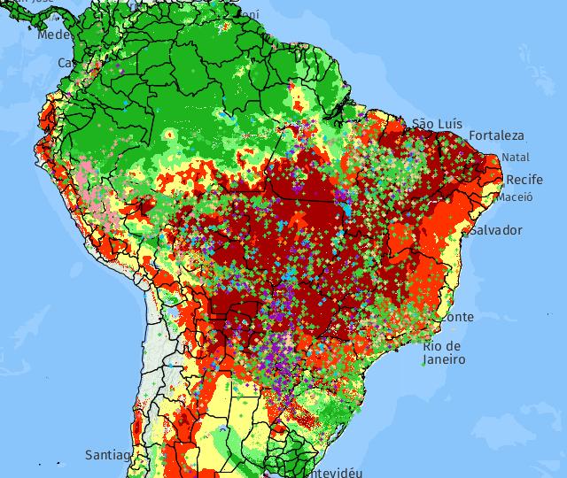 Marcações de todas as cores indicam focos de incêndio revelados por diferentes satélites que monitoram o país em 22 de setembro de 2017