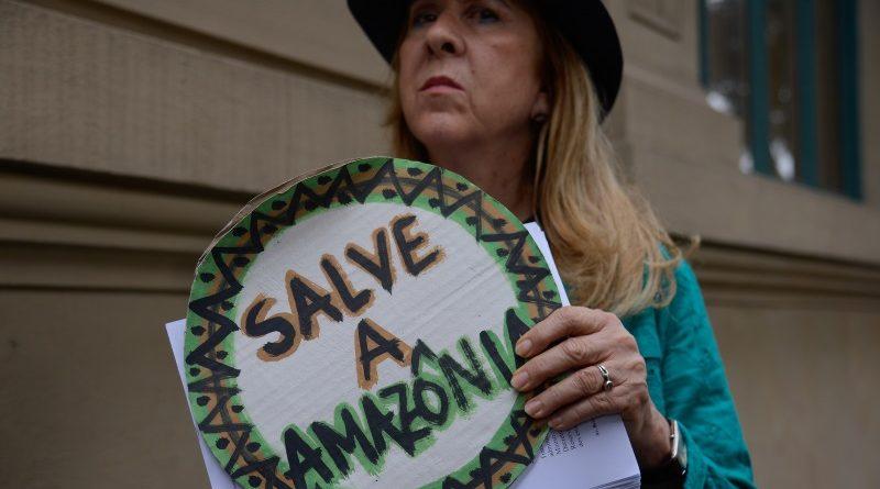 Se três projetos de lei discutidos hoje no Congresso forem aprovados, cinco milhões de hectares de áreas protegidas no Brasil poderão ser postos em risco - uma área maior que a Renca na Amazônia (crédito: Fernando Frazão/Agência Brasil - CC BY 2.0)