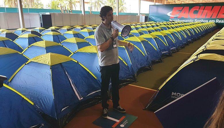 Tonico Novaes, diretor da Campus Party Brasil, apresenta os espaços da Campus Party Rondônia, montados no Sesi/RO